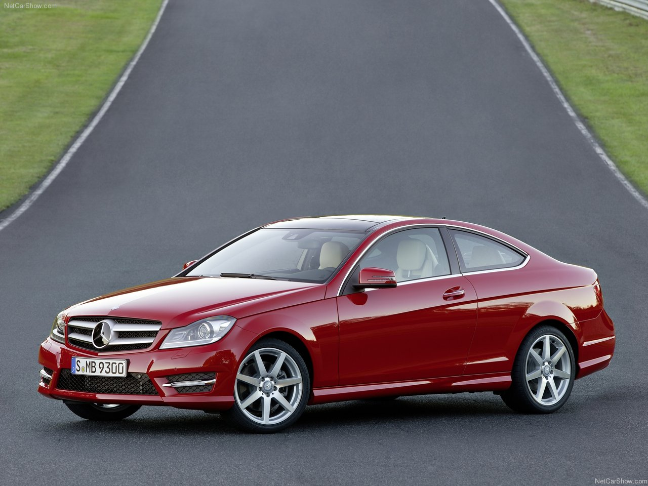 http://3.bp.blogspot.com/-e-9i8A72S8Q/TV_mdQdwCzI/AAAAAAACJmI/1ks5v3ZjenA/s1600/Mercedes-Benz-C-Class_Coupe_2012_1280x960_wallpaper_08.jpg