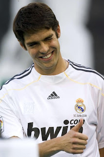 صور ريال مدريد Official%252BPresentation%252BKaka%252BNew%252BReal%252BMadrid%252BYmXO4M_hqI_l