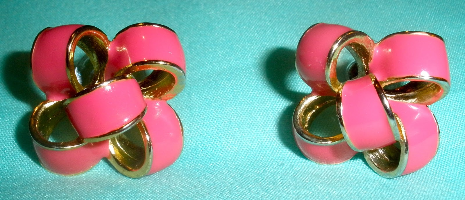 Lilly Pulitzer Critter Bow Earrings