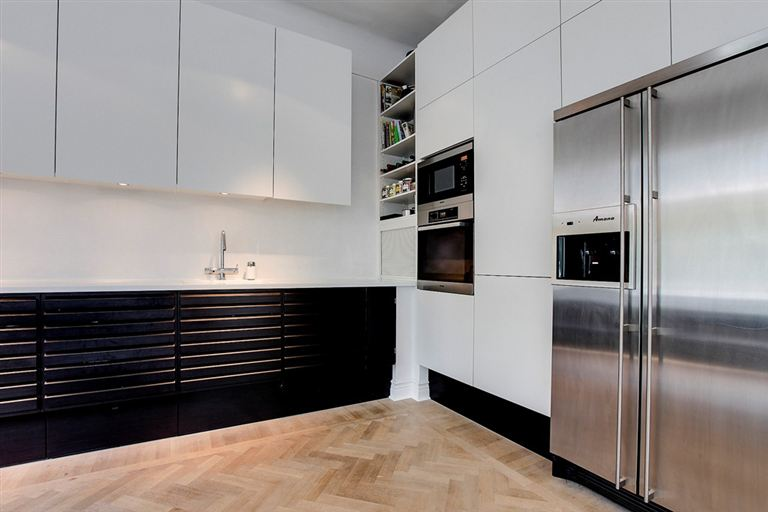 Love the design of the kitchen cabinets, the wardrobes in the bedroom