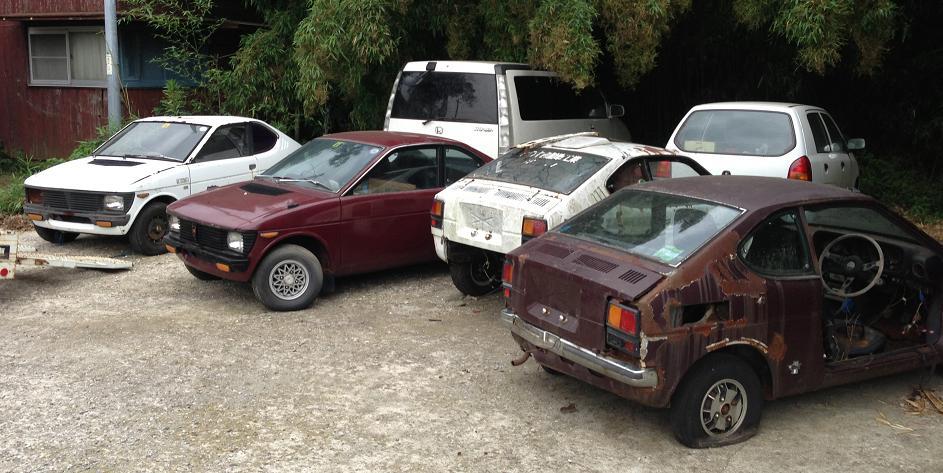 stare zniszczone samochody, wraki, klasyczne samochody, dawna motoryzacja, stare modele samochodów, Suzuki fronte coupe, cervo ss20
