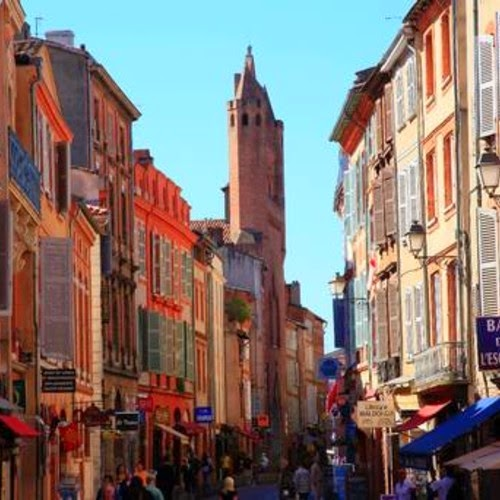 """Travel Talk """"In The Pink"""" today in Toulouse & the Midi-Pyrénées"""