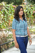 Liza reddy glam pix in jeans-thumbnail-2