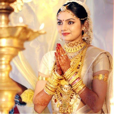 All Film Updates Online Actress Hot Gallery Movie Wallpapers Samvritha Sunil Wedding Marriage