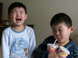 funny picture: chinese kids love burger king