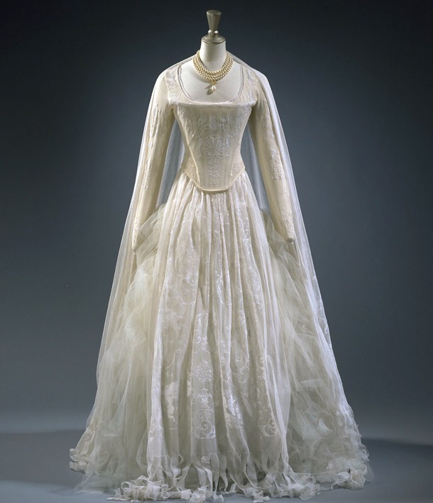 1800s gowns related keywords 1800s gowns long tail