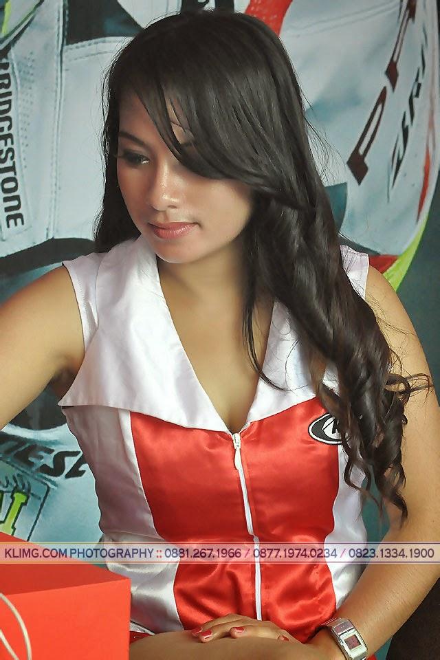 Posenya SPG Seksi Sponsor Yamaha Cup Race 1 Purwokerto 2014