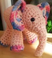 http://translate.googleusercontent.com/translate_c?depth=1&hl=es&rurl=translate.google.es&sl=en&tl=es&u=http://www.lookatwhatimade.net/meimei-free-baby-elephant-crochet-pattern/&usg=ALkJrhgbw6QKr6wXTTKMnvolOC5tGW_uJw