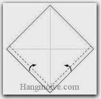Bước 2: Gấp hai mép hai cạnh tờ giấy vào trong.