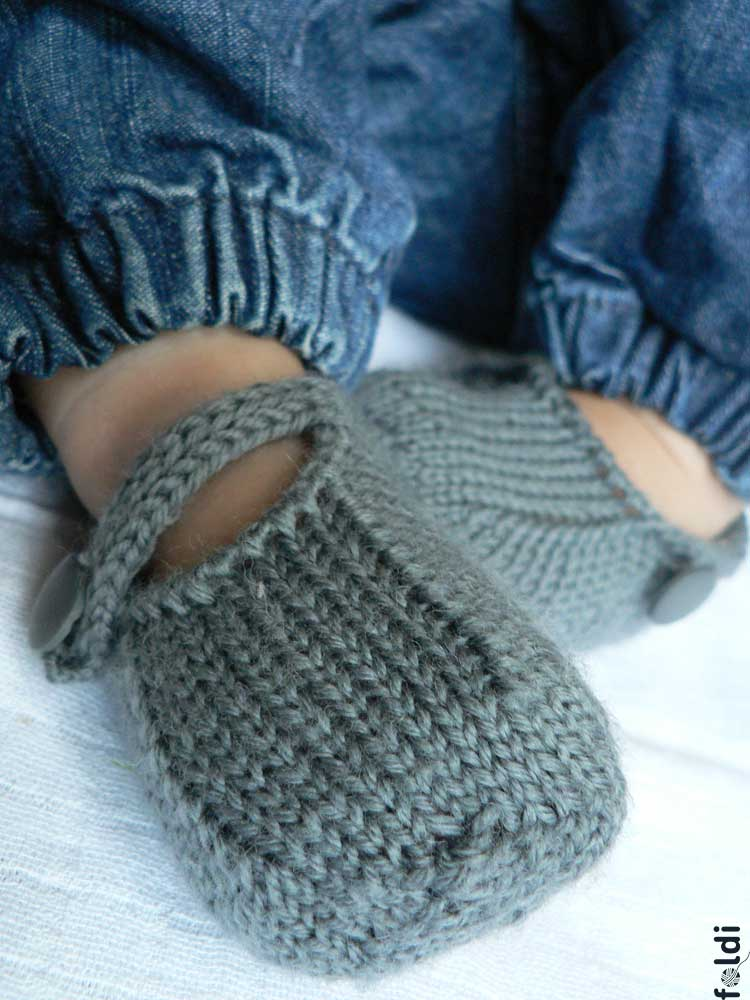 Knitting Patterns For Seamless Baby Booties : foldi: Seamless Baby Bootie
