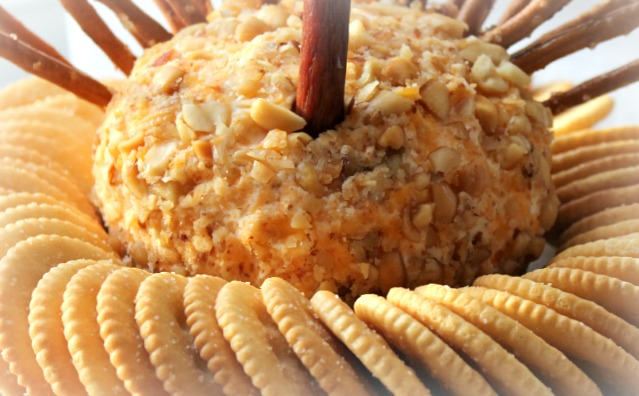 After inserting the  neck  Slim Jim into the cheese ball I placed the entire thing on a plate and into the refrigerator for overnight. & Thanksgiving Turkey Cheese Ball | Crafts a la Mode | Bloglovinu0027