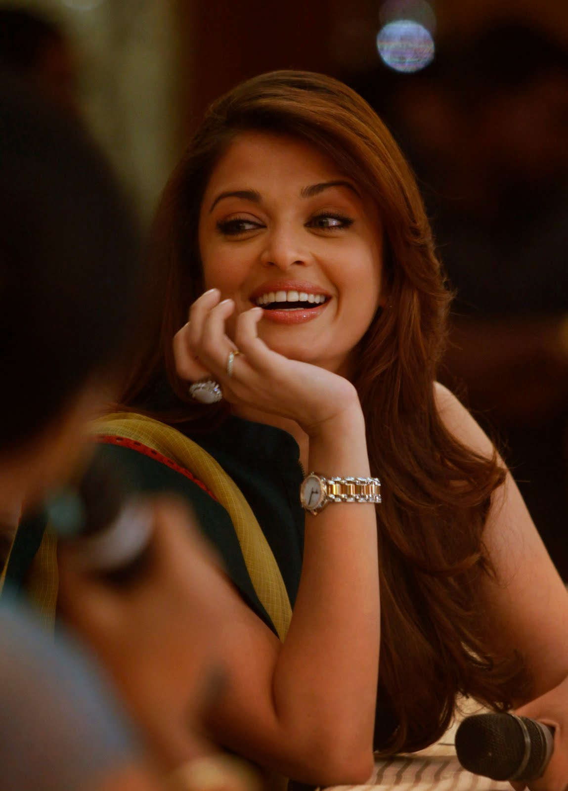 Aishwarya Rai Latest Hairstyles, Long Hairstyle 2011, Hairstyle 2011, New Long Hairstyle 2011, Celebrity Long Hairstyles 2167
