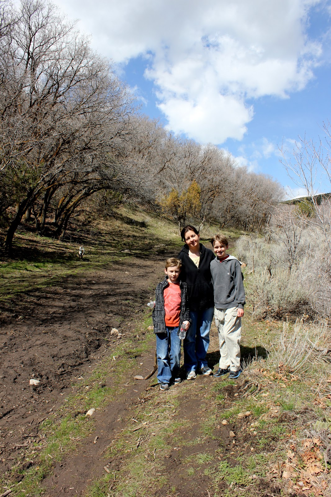 Family Hike with Hiking App / Squibs and Crackers