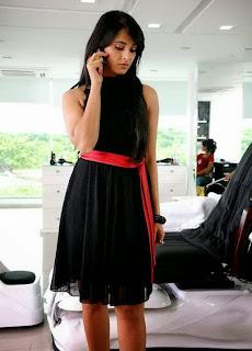 Anushka Shetty Hot and Glamorous Looking Photos
