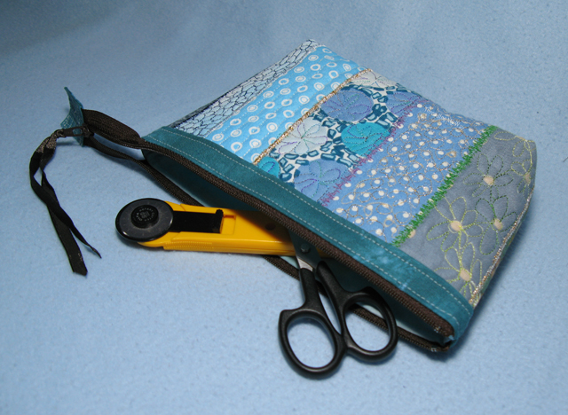 Free Motion Machine Embroidered Zippered Pouches... made with the  Open Wide Pouch Tutorial by Noodlehead ~ Threading My Way