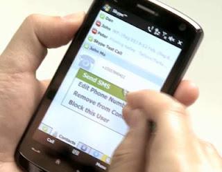 Cara Memikat Hati Wanita Lewat Sms [ www.BlogApaAja.com ]