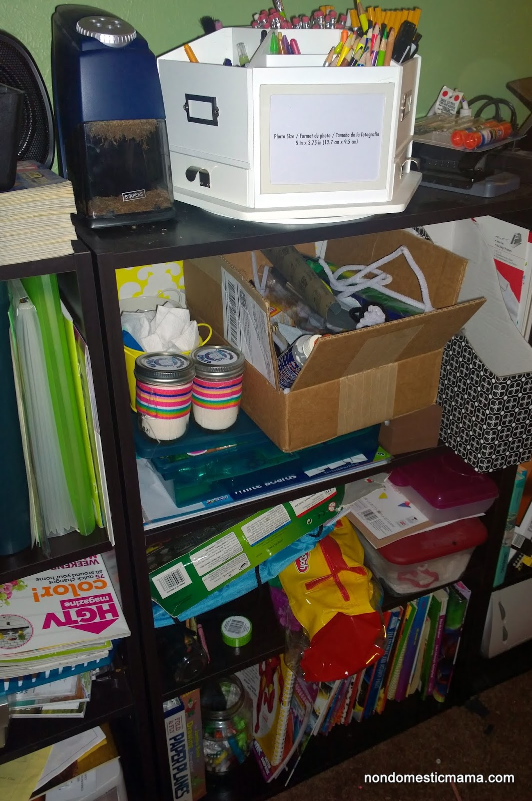 {Day 7} Living Area Bookshelves - 31 Days of De-Hoarding #write31days #dehoarding