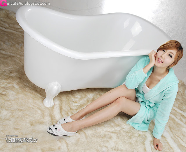 3 Choi Byeol Yee and Bathtub-very cute asian girl-girlcute4u.blogspot.com