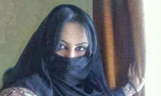 5 ملايين ريال لمن يتزوج هذه المرأة - امرأة سعودية خليجية اليشمك مكتحلة العين
