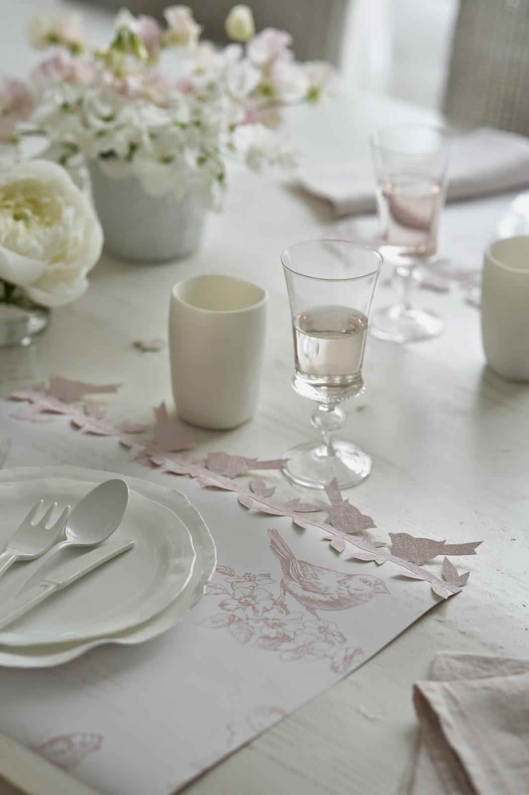 Marie paule faure d ner en rose for Set de table rose