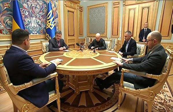 Президент Порошенко поручил обеспечить теплом и электроэнергией жителей оккупированной части Донбасса
