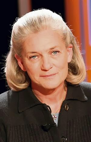 «Η βία δεν είναι μια αρσενική αποκλειστικότητα» δηλώνει μεταξύ άλλων η Elisabeth Badinter