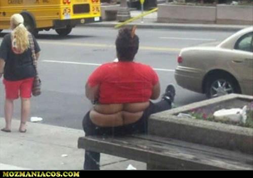 Mulher sarada nas costas