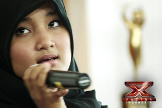 Download Lagu Fatin Shidqia Lubis - Perahu Kertas Mp3