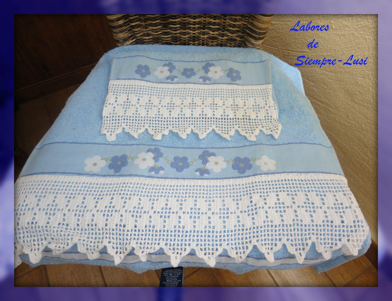Labores de siempre: Puntillas para toallas celestes