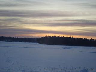 Hiihtolenkki+auringonlaskun+aikaan+003.j