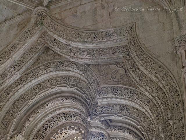 Capillas Imperfectas, detalle, del Monasterio de Batalla - El Guisante Verde Project