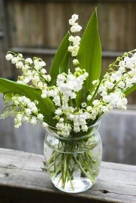 lily griffiths blog bouquet de muguet et bouquets de mari e c l bres. Black Bedroom Furniture Sets. Home Design Ideas