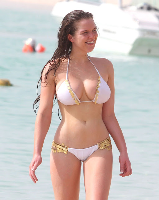 Helen Flanagan Sexy in Swimsuit