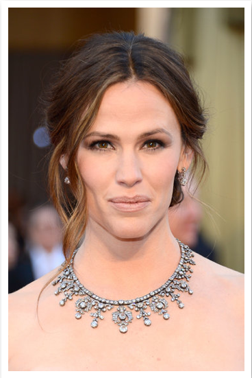 Loving Jennifer Garner's Oscar hair and Neil Lane necklace.