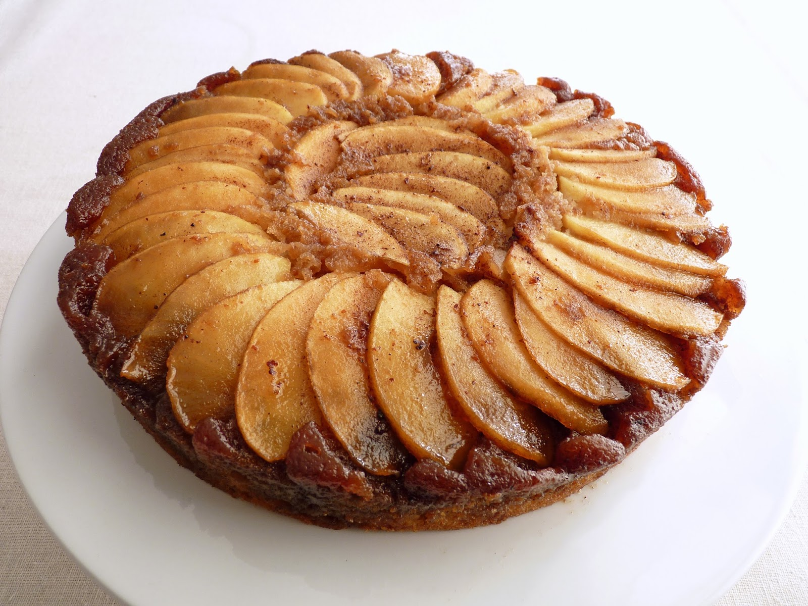 :pastry studio: Apple Rum Upside Down Cake