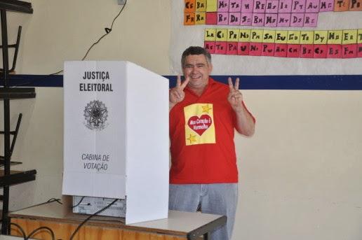 http://3.bp.blogspot.com/-e3Mpm_QY3kw/UvOIfLu7xzI/AAAAAAAAVWI/pAf6b-IvybE/s1600/Cesar-votando-e1383341941901.jpg