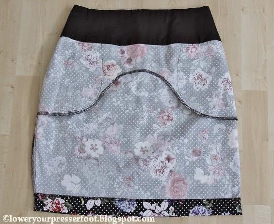 black floral pencil skirt Burda 9/2007 #128 www.loweryourpresserfoot.blogspot.com