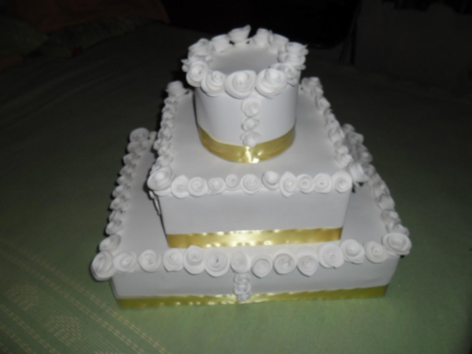 decoracao de casamento que eu posso fazer:Oi amigas hoje eu vou postar umas fotos dos bolo fake que eu fiz para