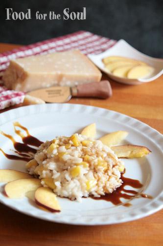 risotto con pesche noci, parmigiano e riduzione di aceto balsamico