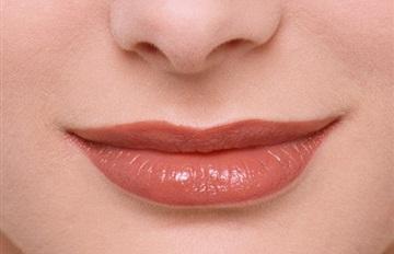 البرتقال والليمون للتخلص من اسمرار منطقة ما حول الفم - الفم التم الفيه الحنك البق الشفاه الشفايف الشفائف