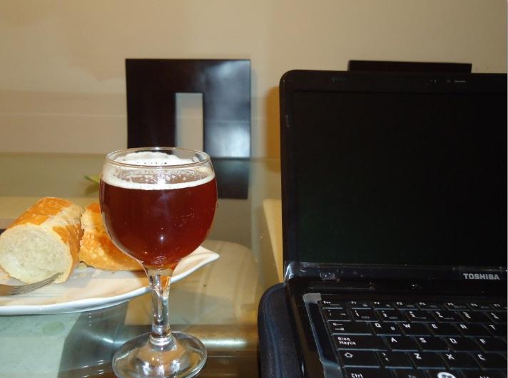 Mostrando mi cerveza