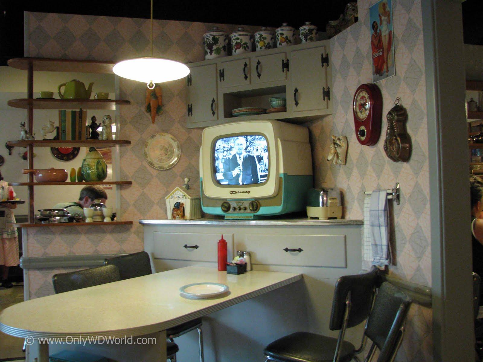 Only wdworld restaurant guide disney 39 s hollywood studios for Cuisine 50 s