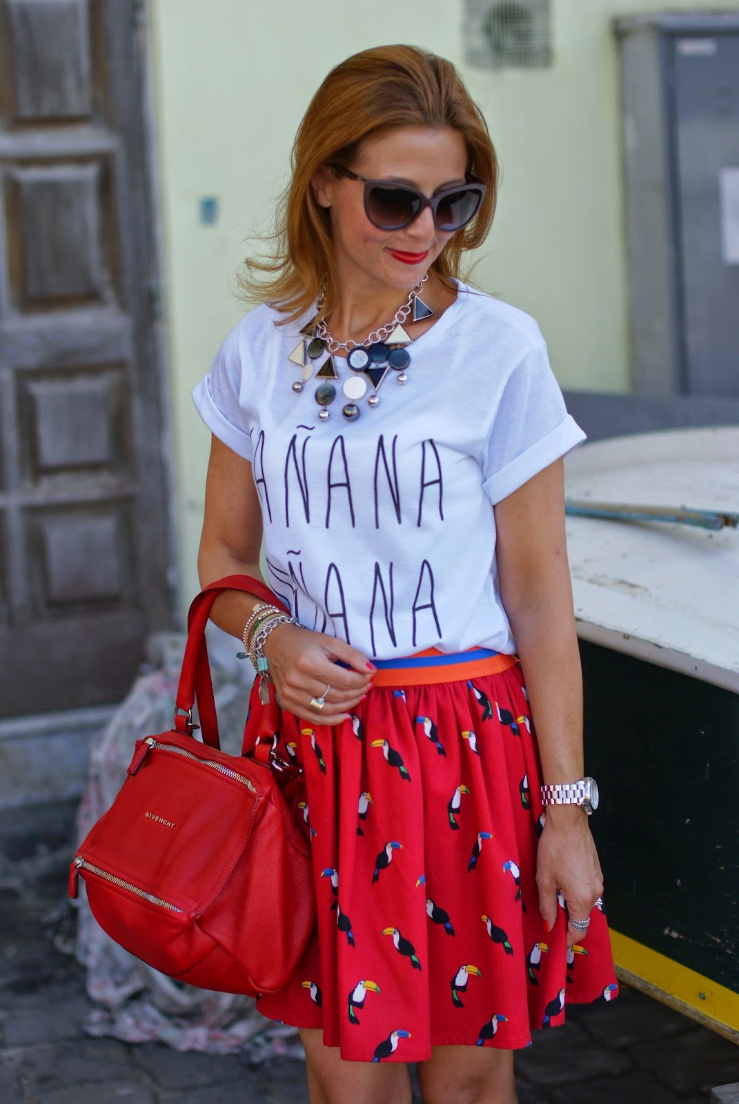 Vitti Ferria Contin necklace, manana t-shirt, lace cap toe pumps, Givenchy Pandora in red, Fashion and Cookies, fashion blogger