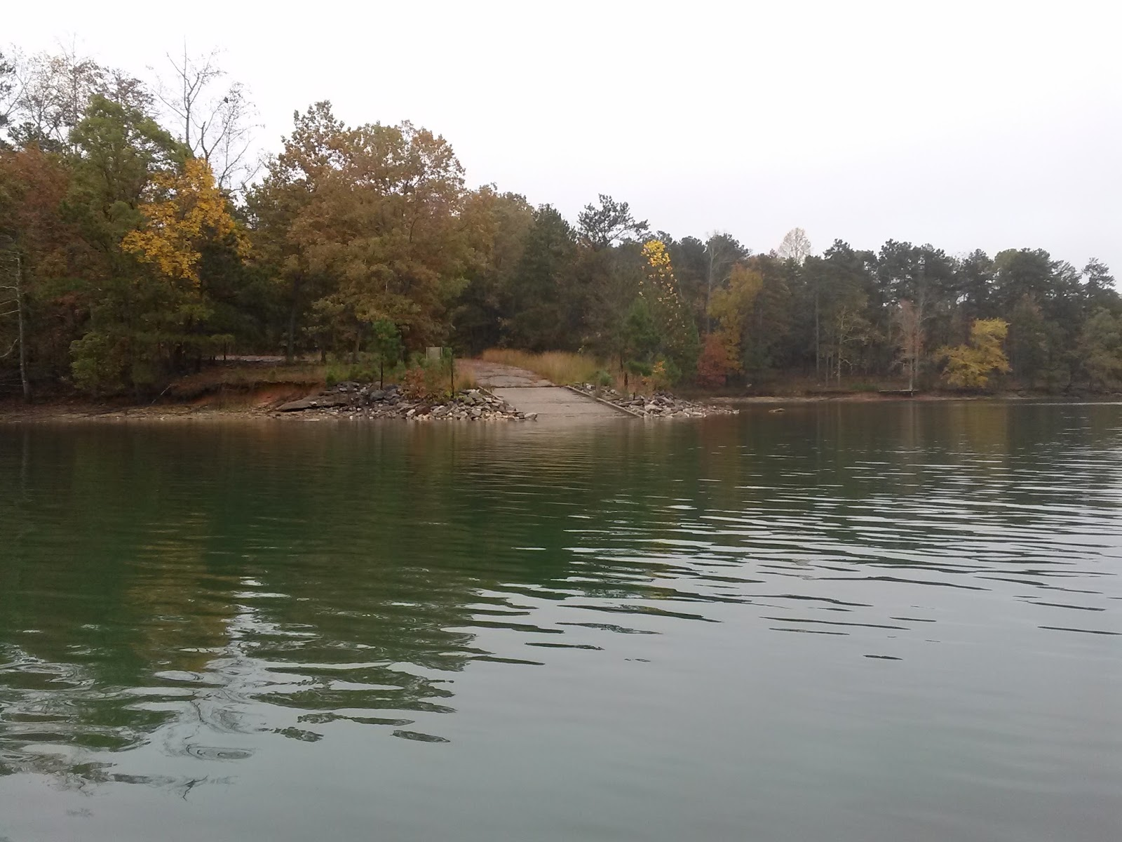 Yakdawg fishing early november kayak fishing on lake lanier for Lake lanier fishing spots