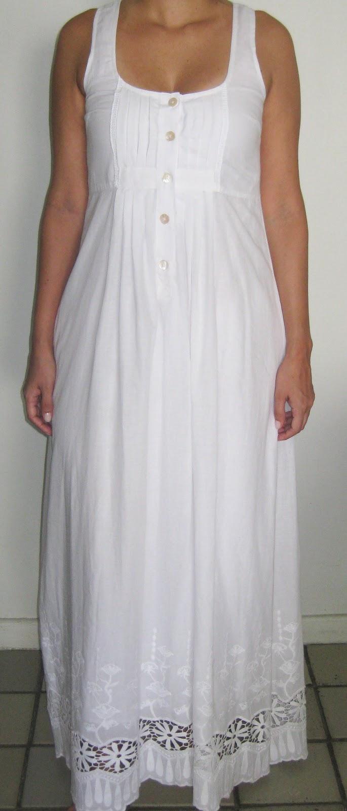 Donna Francisca: Vestido longo branco de bico bordado