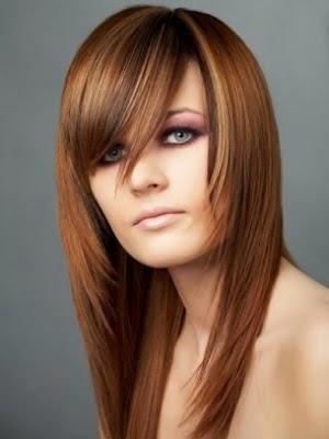 peinados con extensiones con raya invisible es una de las ultimas tendencias en este tipo de peinado con extensiones se crea la raya pegando las piezas de