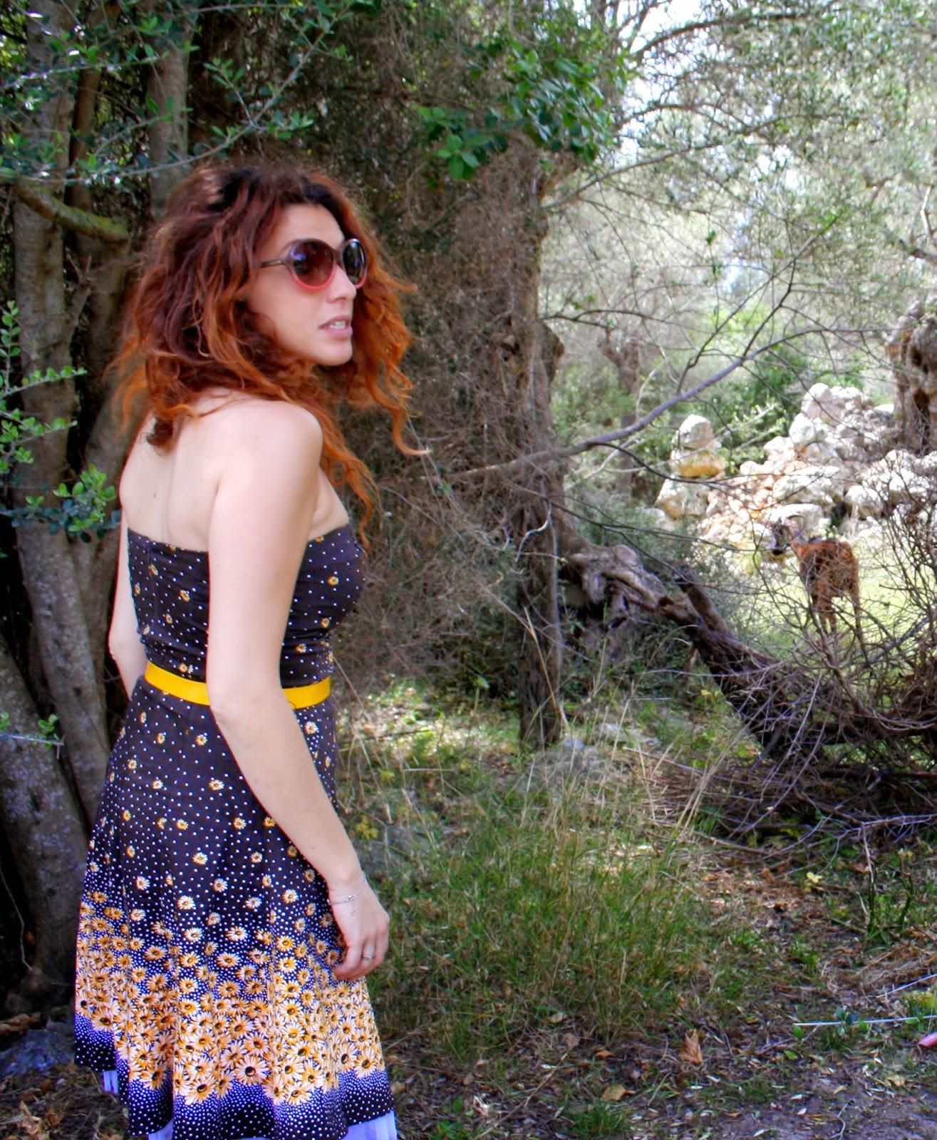 vestido marron amarillo