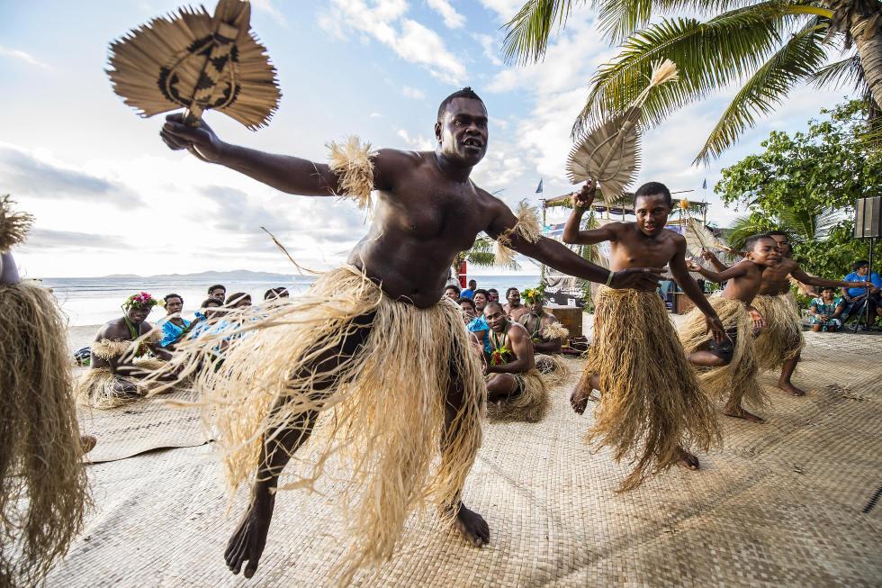 31 Fijian Dancers Fiji Pro 2015 Fotos WSL Kirstin
