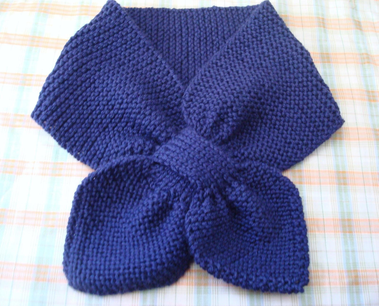 Knitting Pattern Bow Knot Scarf : petit purls: bow-knot scarf