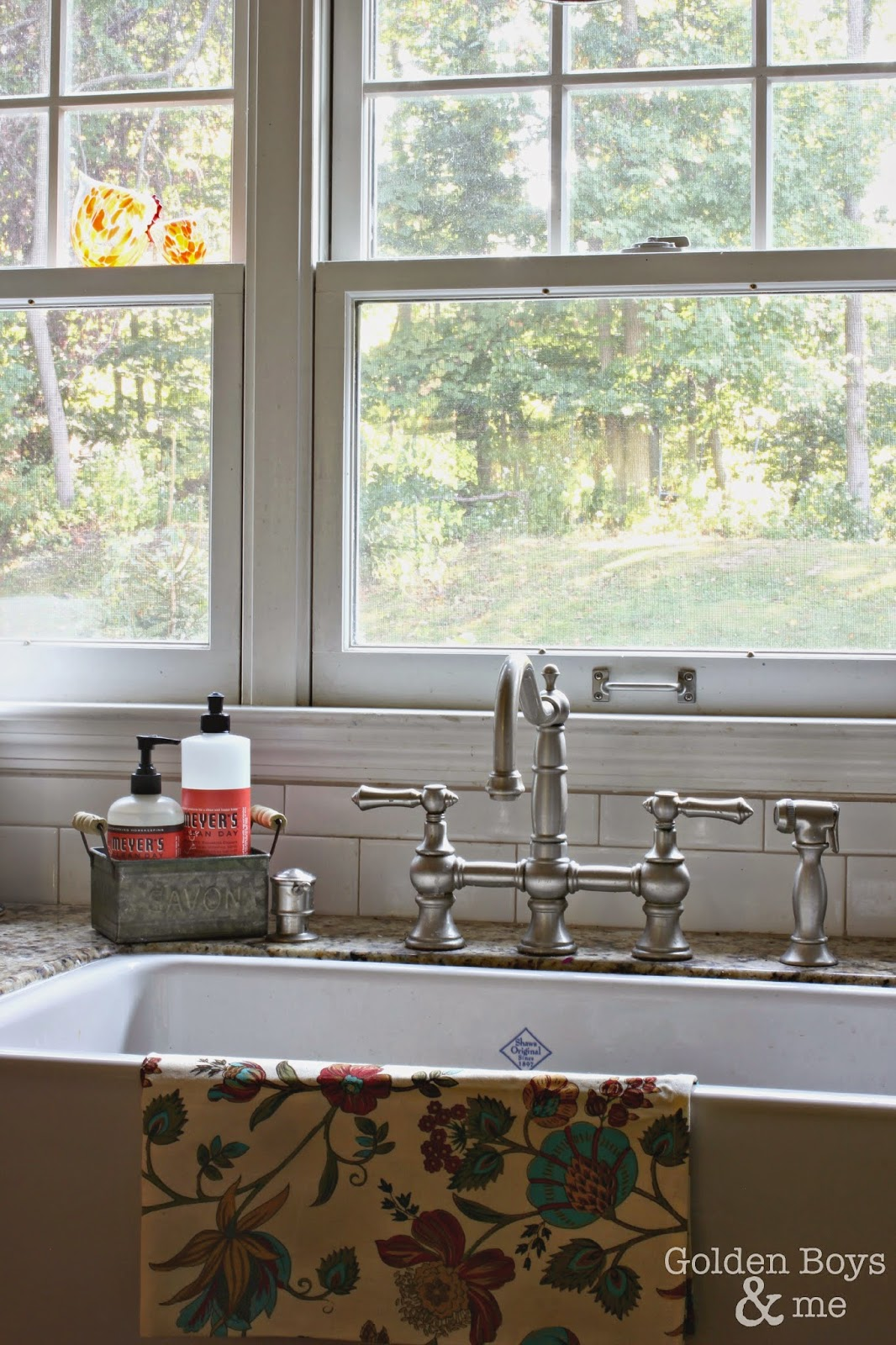 Shaw's Original Farm house apron sink in fall decor kitchen-www.goldenboysandme.com